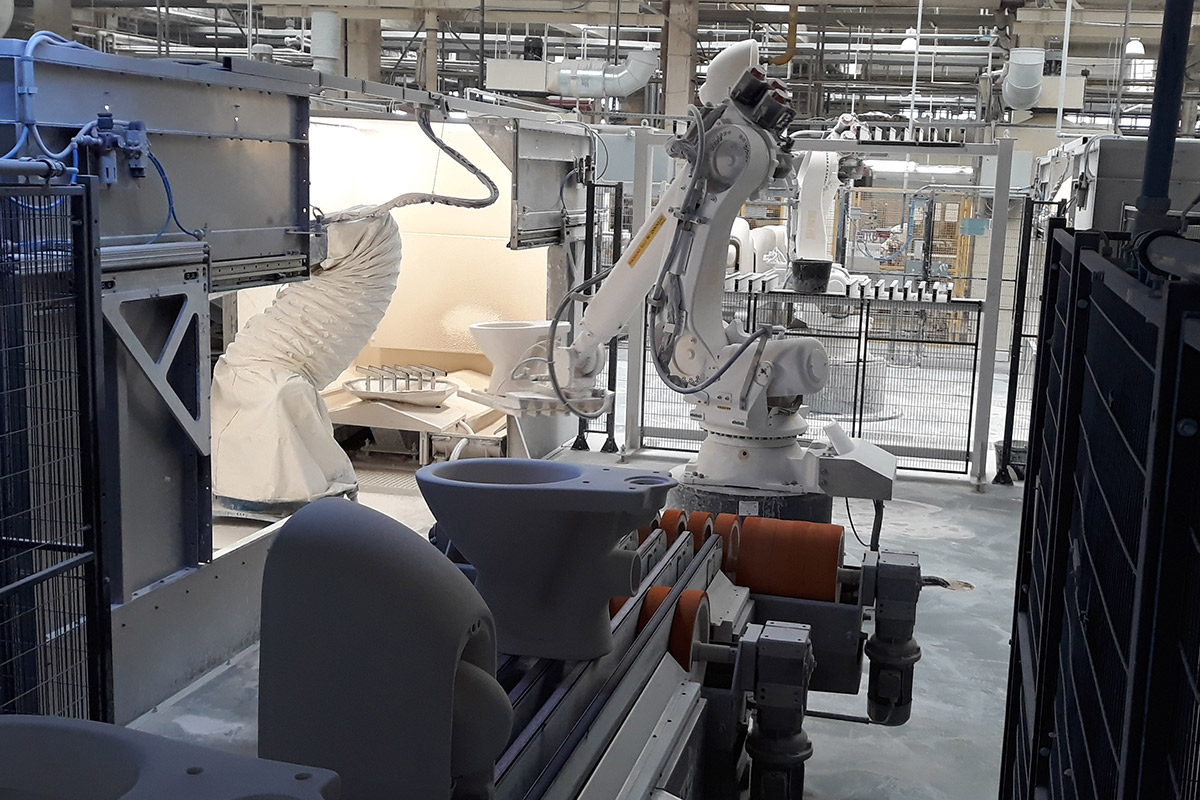 Robotized glazing, Cersanit invests in Poland with SACMI-Gaiotto